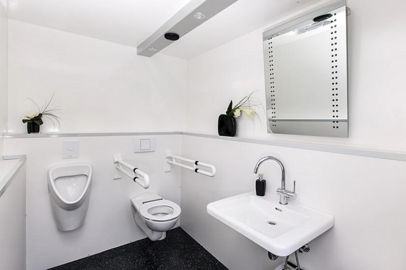 wc anh nger barrierefrei bis 50 personen miettoiletten vonnebenan. Black Bedroom Furniture Sets. Home Design Ideas